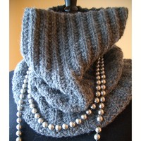 Grey Quartz Cowl (Free)