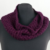 Cascade Yarns W447 Cell Stitch Cowl (Free)