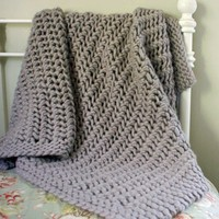 Lacy Chunky Throw (Free)