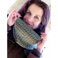 2144 Reversible Icicle Cowl