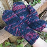 Manos del Uruguay Handful of Berries Mittens Kit (Free Pattern)