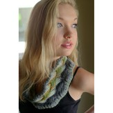 Plymouth Yarn F565 Gina Chunky Lattice Cable Cowl (Free)