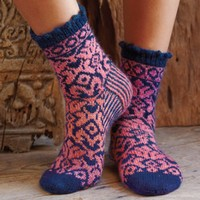 Socks with Jacquard Pattern (Free)
