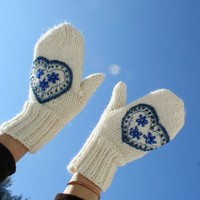 Instant Mittens with Mary Jane Mucklestone